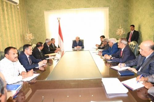 الرئيس هادي يوجه باعتماد مليار ريال لمحافظة لحج وتزويدها بـ 10 ميجاوات إضافية