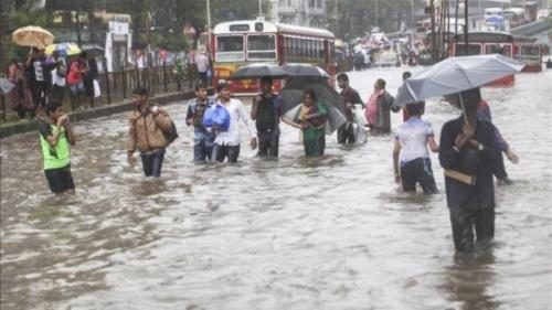 مقتل العشرات وتشريد أكثر من مليون بسبب سيول في الهند وبنجلادش