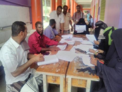 الدكتور الزعوري يتفقد ادارة الامتحانات وعمل لجان الاختبارات  للتعليم الاساسي