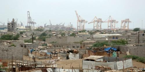 """صحيفة """"دير ألجيماينر"""" الأمريكية التحالف يتعهد بعدم الدخول الى مدينة الحديدة والحوثيون يوافقون على تسليم موارد الميناء للأمم المتحدة"""