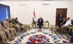 الرئيس ھادي یشید بجھود الإمارات وإسھاماتھا المیدانیة في الیمن