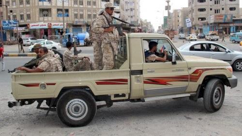 استشهاد جندي في كمين مسلح استهدف طقم عسكري بعدن وقوات الأمن تلقي القبض على 4 من المتهمين