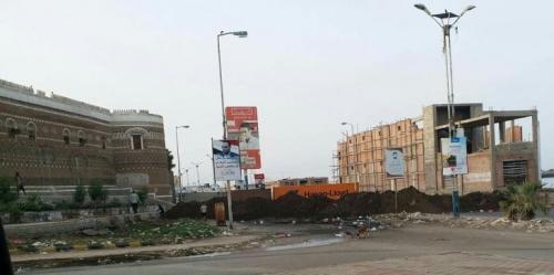 أهالي الحديدة يحتجون على نصب مدافع حوثية في الأحياء السكنية