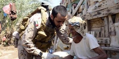 فرق طبية لقوات التحالف العربي تقدم خدمات علاجية لأهالي الساحل الغربي