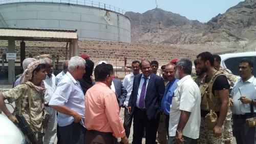 وزير النفط والمعادن يزور فرع هيئة الاستكشافات النفطية وشركة النفط في عدن