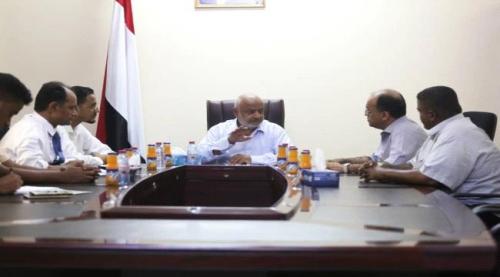 مناقشة أوضاع النازحين من الحديدة في عدن