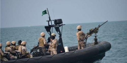 إحباط هجوم حوثي عبر زوارق صيد في البحر الأحمر