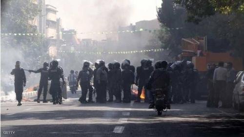 تظاهرات إيران متواصلة والسلطات تتوعد المحتجين