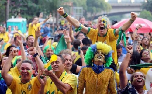 البرازيل تتسلح بالتاريخ لعبور المكسيك في ثمن نهائي المونديال