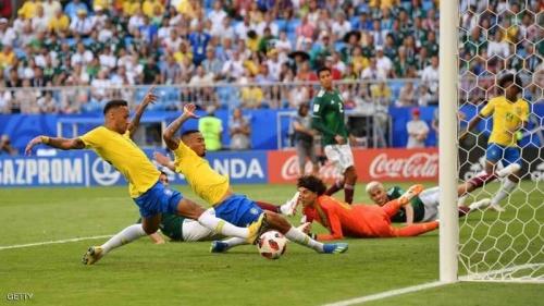 """نيمار يقود البرازيل لربع النهائي ويرسخ """"عقدة المكسيك """""""