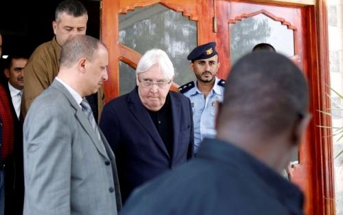 التحالف العربي يفتح أبواب السلام في الحديدة ويبقي على الخيار العسكري