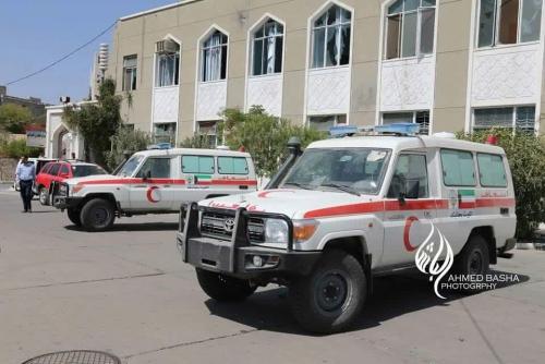 ميليشيات الحوثي تستعين بالفرق الطبية لإنقاذ قواتها المحاصرة بالحديدة