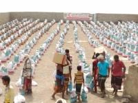 7000 يمني في الحيمة بالحديدة يستفيدون من المساعدات الإماراتية