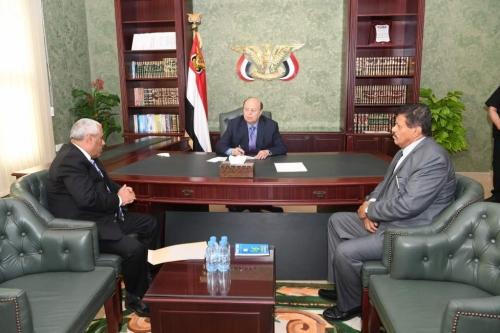 الرئيس اليمني يناقش مقترح دمج جهازي الأمن «القومي والسياسي»