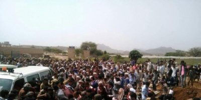 تشيع جثامين 5  شهداء سقطوا أمس الخميس في مواجهات مع مليشيات الحوثي في مريس شمالي الضالع