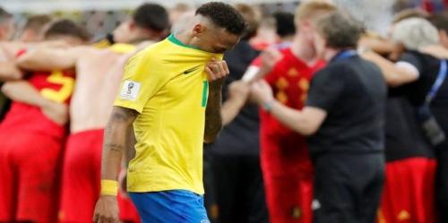 شاهد .. نيمار يبكي بعد خسارة المنتخب البرازيلي أمام بلجيكا في كأس العالم ( صور )