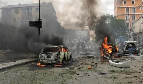 مقتل وإصابة 10 اشخاص في انفجار سيارة ملغومة امام القصر الرئاسي في مقديشو
