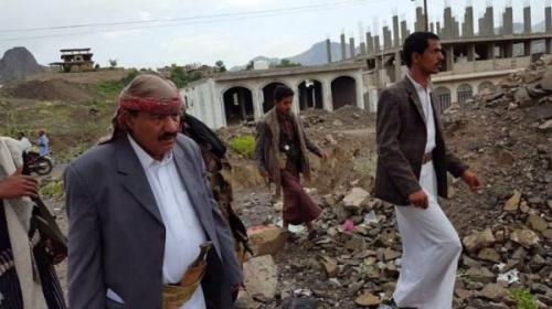 """ضرائب """"القات"""" بتعز تفجّر الخلاف بين قيادات مليشيا الحوثي وعبده الجندي"""