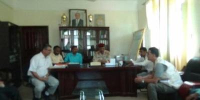 محافظ الضالع يلتقي لجنة الامتحانات الوزارية