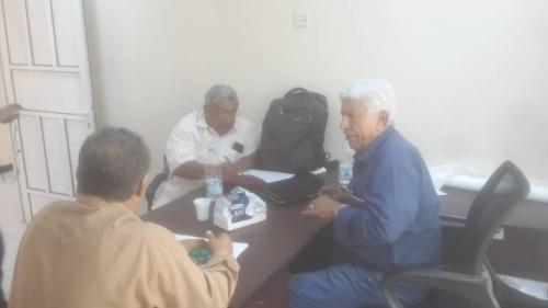 مدير دائرة الخدمات الطبية العسكرية يناقش مع وزير الصحة سبل دعم المستشفيات العسكرية