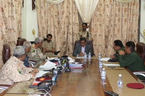 محافظ حضرموت يرأس الاجتماع الأول لإدارة وقيادة كلية الشرطة بحضرموت