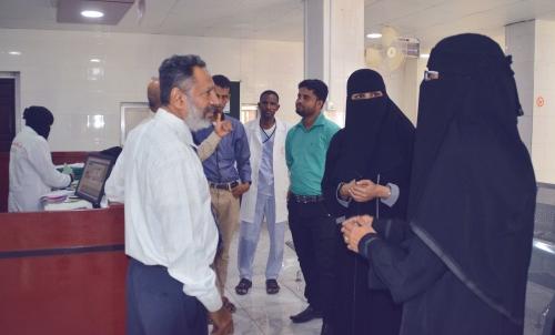 منظمة حضرموت الصحية في زيارة إشرافيه لمشروع الملف الالكتروني العائلي بمركز جامعة حضرموت لطب الاسرة