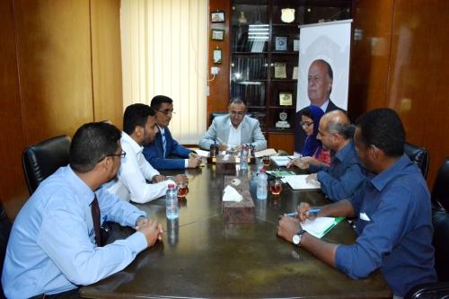 رئيس جامعة عدن و عميد كلية الحقوق يلتقيان برئيس بعثة منظمة (Geneva call) چنيڤا كول