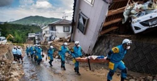 اليابان.. السيول تقتل 155 شخصاً في أسوأ طقس منذ 36 عاماً