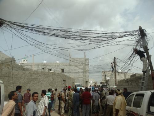 """"""" كهرباء عدن"""" تواصل حملة إزالة الربط العشوائي للأسبوع الثالث على التوالي من دون تسجيل أي إشكاليات"""
