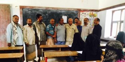 مدير عام الشعيب يتفقد سير الامتحانات الوزارية بثانوية الشهيد صالح حسين راشد
