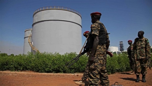 السودان تحث شركات خليجية على المساهمة في تشغيل حقول بترول الجنوب