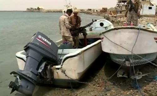 بإسناد من التحالف.. قوات الشرعية تضبط 3 قوارب صيد مسلحة تابعة للحوثيين قرب ميدي