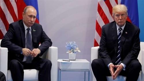 سيناتور أمريكي يحذر من انفراد بوتين بترامب