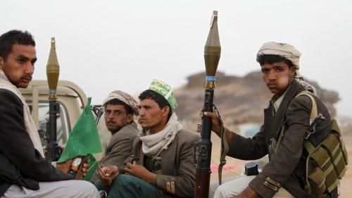 جواسيس الجماعة يتنصتون على المقاهي وصالات الأفراح.. والحوثيون يجندون النساء