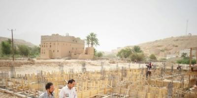 الهلال الأحمر الإماراتي يستأنف العمل في المشاريع الخدمية في شبـوة