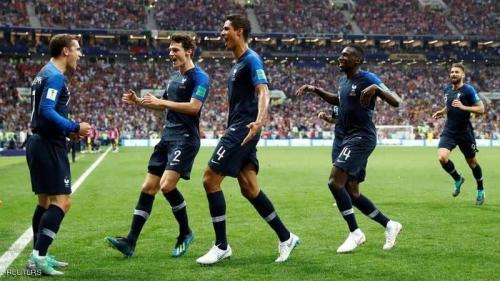 فرنسا تتقدم على كرواتيا في الشوط الأول (2-1)