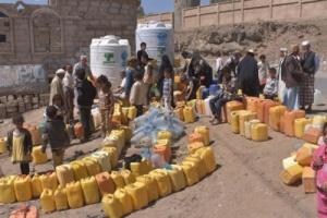 سوق سوداء للمياه بمدينة إب وسعر الوايت يصل لأكثر من 12 ألف ريال