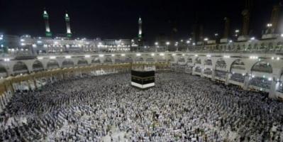علماء : قطر تسمح بسفر لاعبيها للمملكة وتمنع الحجاج !