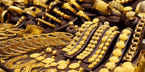 أسعار الذهب في الأسواق اليمنية بحسب البيانات الصادرة صباح اليوم الثلاثاء 17 يوليو 2018