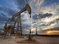 النفط يهبط لليوم الثاني بفعل مخاوف من وفرة المعروض