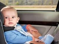 من أجل العمل .. تنسى ابنها في السيارة لمدة 8 ساعات