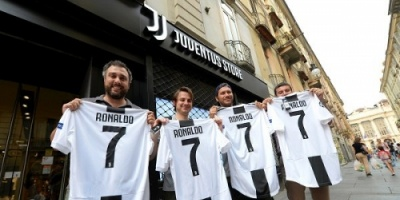 قميص رونالدو يحطم أرقام مبيعات يوفنتوس