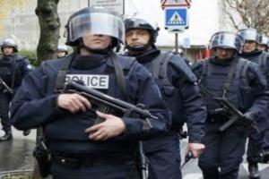 """فرنسا تبدأ الإفراج عن مئات السجناء """"المتطرفين"""""""