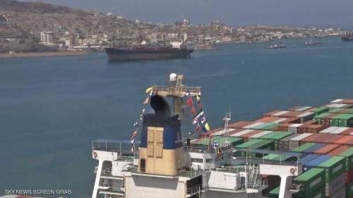 الحوثيون يعرقلون مرور سفن إلى ميناء الحديدة