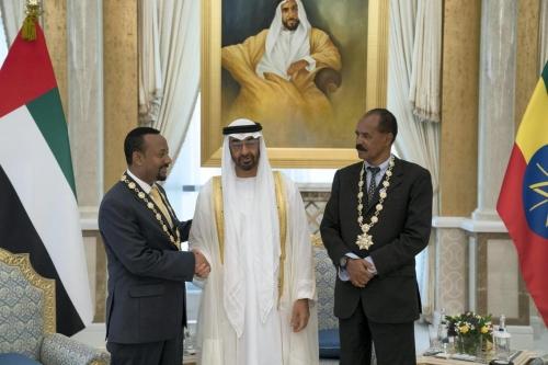 لقاء زعيما إثيوبيا وإريتريا التاريخي في أبوظبي يتصدر تويتر بالإمارات