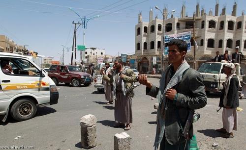 اشتباكات مسلحة بين ميليشيا الحوثي ومواطن بصنعاء تنتهي بإصابة موظف