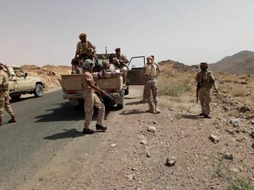 البيضاء ...  التحام جبهة القنذع بناطع في الملاجم