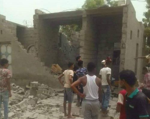 قتلى وجرحى من المدنيين جراء قصف الميليشيات على الأحياء السكنية في مدينة حيس