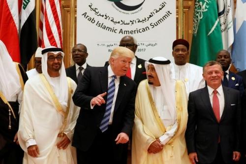 صحيفة دولية: الارتباك الأميركي في إدارة الأزمة مع إيران يدفع دول الخليج إلى البحث عن بدائل