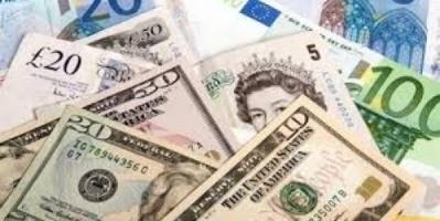 الريال اليمني يواصل الانهيار أمام العملات الأجنبية للأسبوع الثاني